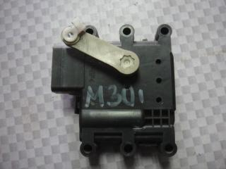 Запчасть мотор заслонки отопителя Mazda Mazda3 2006