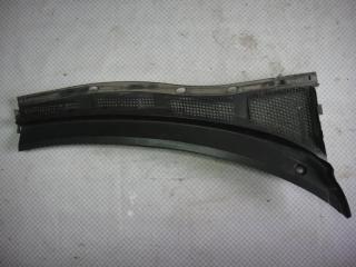 Запчасть решетка стеклоочистителей правая Mazda Mazda3 2006
