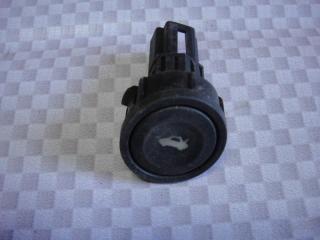Запчасть кнопка открывания багажника Ford Fusion 2006