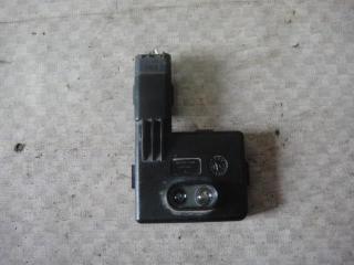 Запчасть датчик безключевого доступа (сенсор) правый Renault Megane 2011