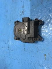 Запчасть моторчик заслонки печки Mazda MPV
