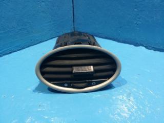 Запчасть дефлектор в торпедо Ford Focus 2