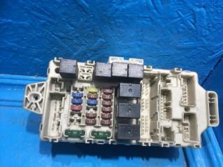 Запчасть блок предохранителей Mitsubishi Lancer 9
