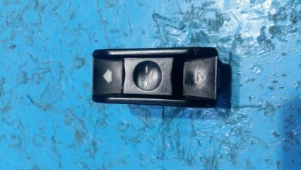 Запчасть кнопка люка BMW 5-Series