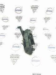 Запчасть корпус блока предохранителей Volvo XC90 2003