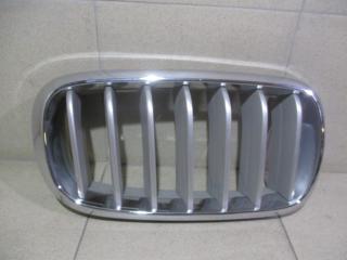 Запчасть решетка радиатора правая BMW X5