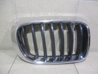 Запчасть решетка радиатора правая BMW X3