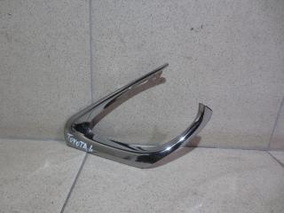 Запчасть накладка на решетку Toyota Camry
