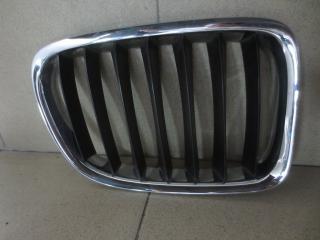 Запчасть решетка радиатора правая BMW X1
