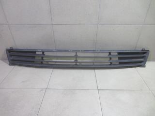 Запчасть решетка в бампер центральная Hyundai Elantra