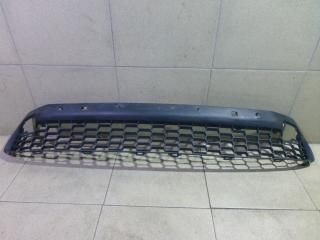 Запчасть решетка в бампер центральная Lexus NX200