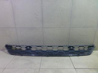 Запчасть решетка в бампер центральная Volkswagen Tiguan