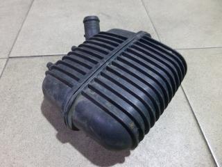 Запчасть резонатор воздушного фильтра Audi Q5