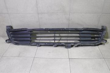 Запчасть решетка в бампер центральная Mitsubishi Outlander
