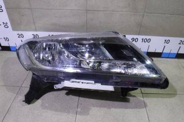 Запчасть фара правая Nissan Pathfinder