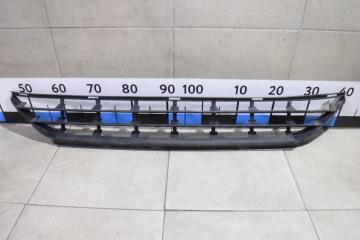 Запчасть решетка в бампер центральная Volvo XC60
