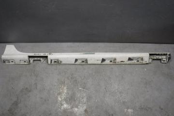 Запчасть накладка на порог (наружная) Audi A7