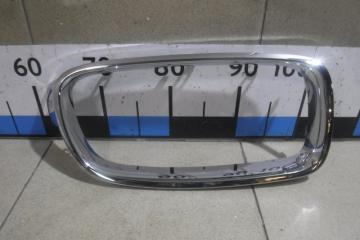 Запчасть накладка на решетку левая BMW 3-series