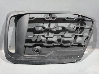 Запчасть решетка в бампер правая BMW X1