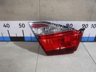 Запчасть фонарь задний внутренний левый Toyota Camry