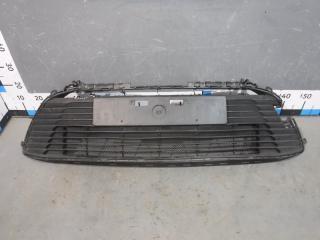 Запчасть решетка в бампер центральная Toyota Corolla