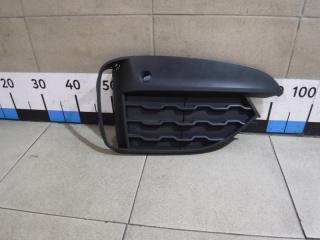 Запчасть решетка в бампер правая BMW X6