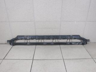 Запчасть решетка в бампер центральная Audi Q7