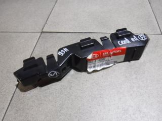Запчасть кронштейн переднего бампера правый Kia CEED