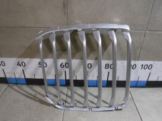 Запчасть накладка на решетку радиатора BMW X7