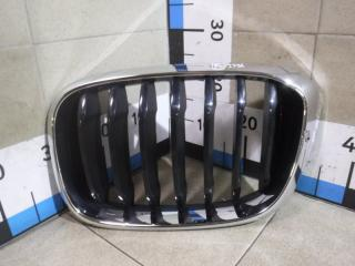 Запчасть решетка радиатора левая BMW X3