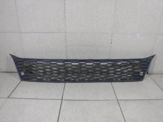 Запчасть решетка в бампер центральная Mitsubishi ASX