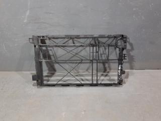 Запчасть рамка радиатора Mercedes-Benz Vito