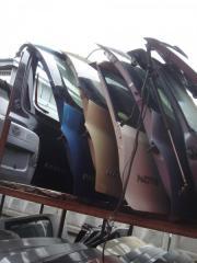 Запчасть крышка багажника задняя Nissan March