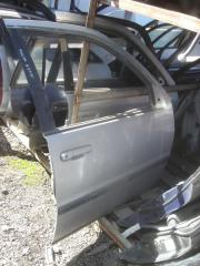 Дверь Toyota Raum
