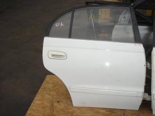 Запчасть дверь Toyota Corona