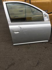 Запчасть дверь передняя правая Toyota Vitz 2000