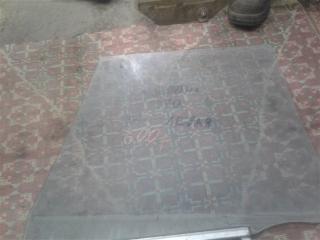 Запчасть стекло боковое заднее левое TOYOTA CORONA 1988
