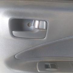 Запчасть ручка двери внутренняя задняя правая MITSUBISHI COLT 2000