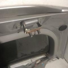 Запчасть петля двери задняя TOYOTA KLUGER V 2005