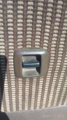 Запчасть кнопка стеклоподъемника задняя левая TOYOTA STARLET 1990