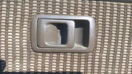Запчасть ручка двери внутренняя задняя левая TOYOTA STARLET 1990