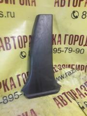 Запчасть накладка средней стойки внутренняя правая TOYOTA MARK II