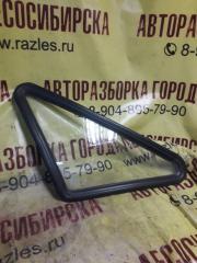 Запчасть стекло собачника заднее левое Иж 2126 ОДА 1998