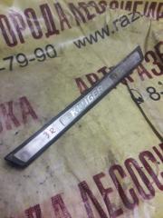 Запчасть накладка на порог задняя правая TOYOTA KLUGER V 2005
