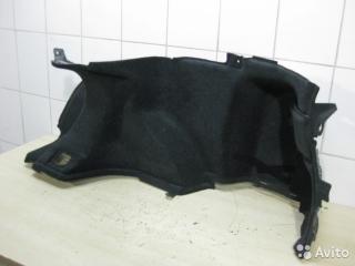 Обшивка багажника правая Toyota Avensis 2006