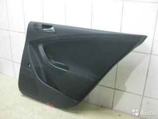 Обшивка двери задняя правая VW Passat 2009