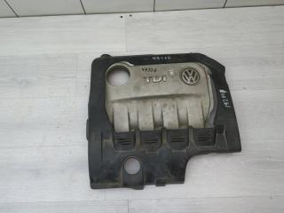 Крышка двигателя декоративная VW Passat 2007