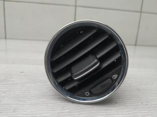 Запчасть дефлектор правый Peugeot 308 2010