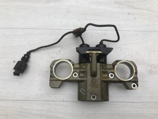 Клапан изменения фаз грм правый Audi A8 2005