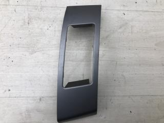 Запчасть накладка дефлектора Peugeot 4007 2012